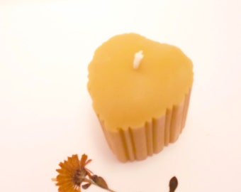 Beeswax Candle - Small Fluted Heart Beeswax Candle (BURNS FOR 20 HOURS)