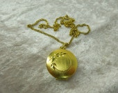 Vintage Locket Necklace with Engraved Flowers Gold Tone