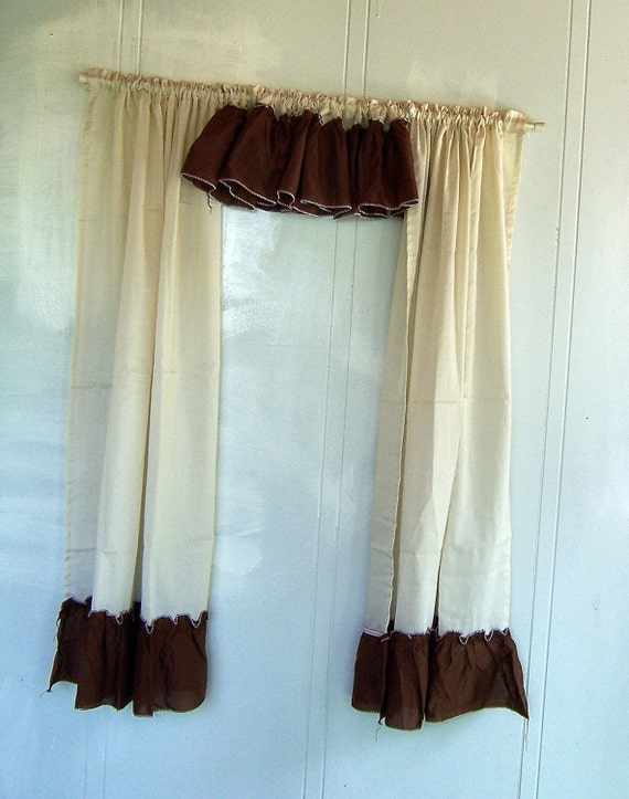 Kitchen Curtain Set Cream And Brown Ruffled By Sierrastreasure