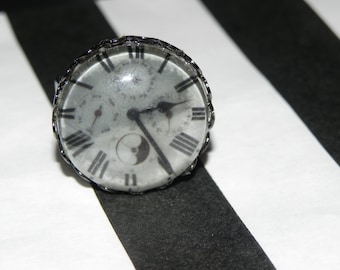 Timepiece Clock Face Ring Steampunky Awesomeness
