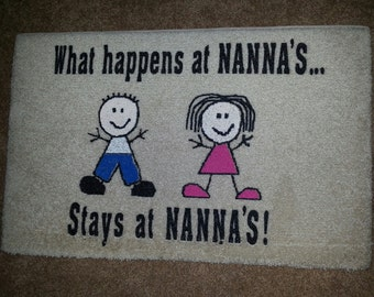 "Accent floor mat with ""Nana"" saying"