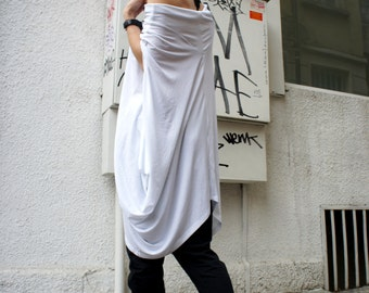 Loose White  Asymmetrical Top / Short Sleeve Tunic / Extravagant Casual Oversize Top A12072