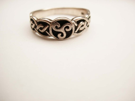 Vintage Celtic Irish Ring Sterling Silver By Neatstuffantiques