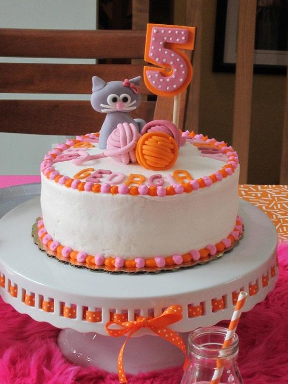 Edible Fondant 1 Qty Cat Cake Topper 3 Qty Balls Of Yarn 2
