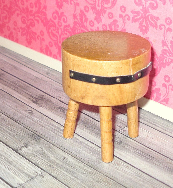 miniature dollhouse vintage round butcher block table. Black Bedroom Furniture Sets. Home Design Ideas