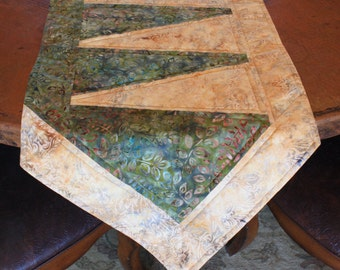 """Quilted Table Runner, Home Decor, Gift, Handmade,  Ready to ship, """"Shady Lane"""""""