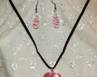 Pink Heart Pendant necklace with pink earrings