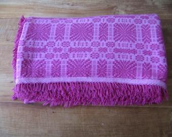 Modern Pink Blanket/Throw/Coverlet