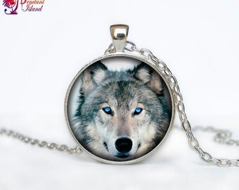 Wolf Pendant  Wolf necklace  Wolf jewelry