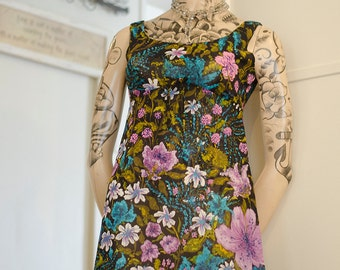 Beautiful 1970's Vintage Retro Dress