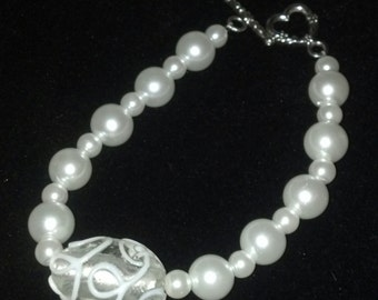 Glass Pearl with Swirl Beaded Bracalet