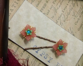 Layla- vintage lucite flower bobby pins