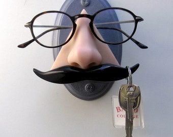 Wall mounted nose eyeglass holder, Wall decor, Novelty mustache key hook, Eyewear display, organizer,sunglasses display