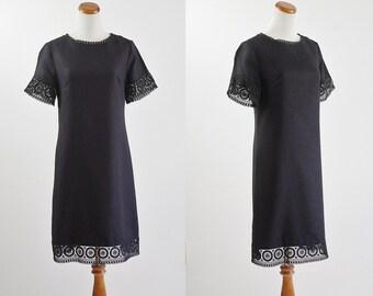 Vintage 60s Dress, 1960s Black Shift Dress, Short Sleeve Dress, Crochet Dress, Black Dress, Mod Dress, Lace Trim Dress, Bust 36 Medium