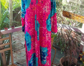 60s BUTTERFIELD 8--Lounger--Kaftan--Neon Pink, Blue Roses and Confetti
