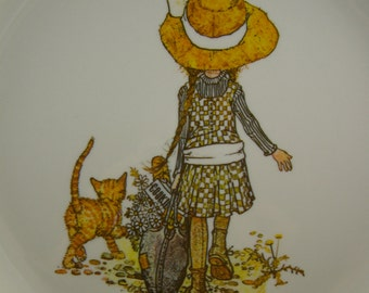 50% off clearance sale! vintage Holly Hobbie decorative plate, walking with kitty