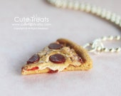 Miniature food jewelry - Pizza necklace