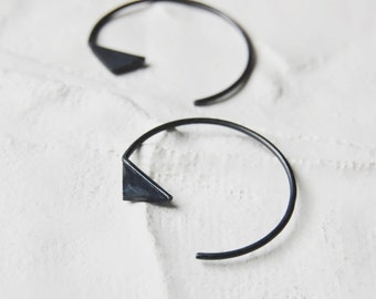 Triangle Hoop earrings // black silver earrings // GM020