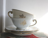 TEA FOR 2 // LIMOGES teacups // Vintage French tea cups and saucers - LaSartoria