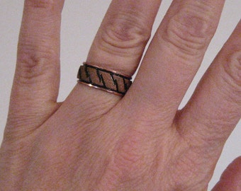Vintage copper ring.  Size 6 1/4.  Ring band.