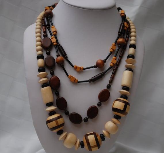 Lot of 3 wooden necklaces destash