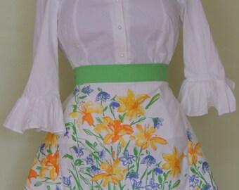 Retro apron, upcycled apron, cottage chic apron, shabby chic apron, half apron, romantic apron, Vera napkin apron