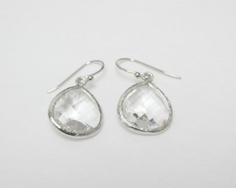Drop Earring Clear , Silver Glass earring , earring tear drop , bridesmaid earring , colorless stone earring