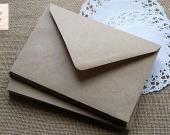 50 A7 kraft ribbed envelopes