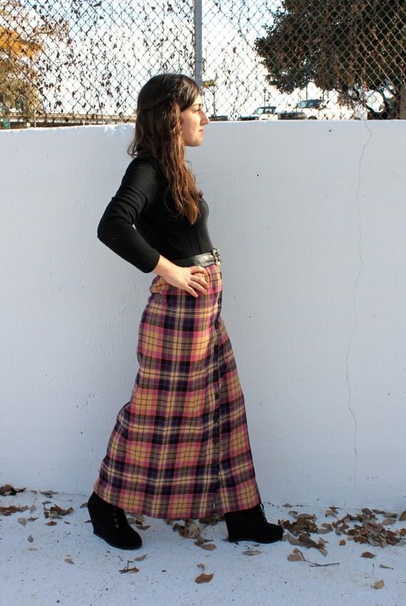 Vintage Long Black Top and Plaid Skirt Longsleeved Dress //