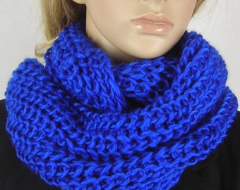 Chunky Neck Warmer -  Chunky Knitted infinity Scarf - Multi functional- Chunky scarf - Bold Knit Scarf - - Line knit - blue