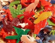 50pcs TINY PLASTIC TOYS Vintage Kitschy Charms & Miniatures