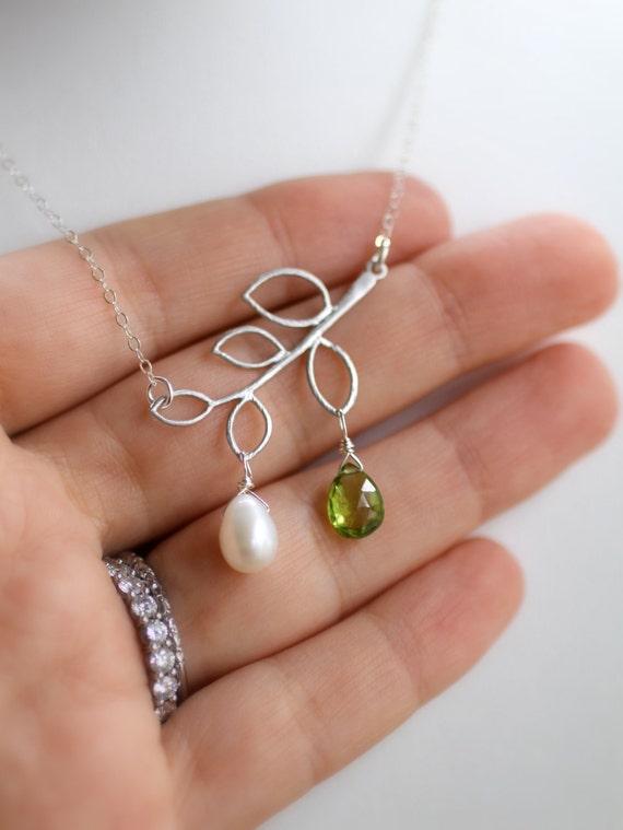 mother 39 s necklace mom necklace custom birthstone. Black Bedroom Furniture Sets. Home Design Ideas