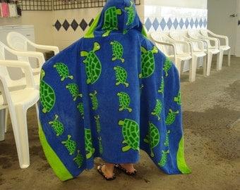 Hooded Towel//Turtles//Beach// Swim//Bath//Gift