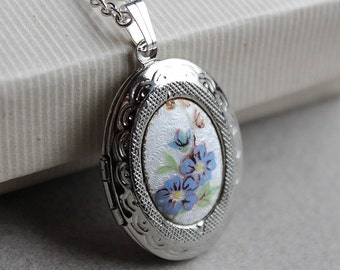 Oval Locket - Vintage Enameled Cabochon - Silver Plated - Chain