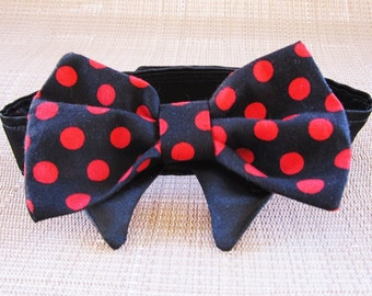 Bow Tie for your Dog or Cat: Black and red polka dot