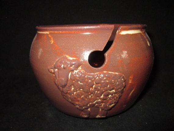 yarn bowl with sheep in reddish brown, stoneware pottery, knitting, crochet