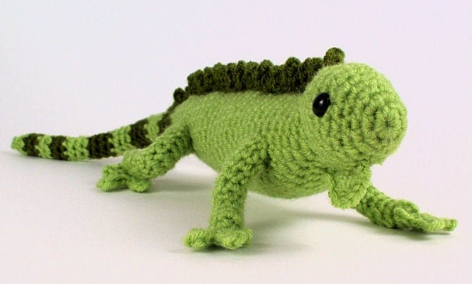 Amigurumi Halloween Free Patterns : PDF Iguana lizard amigurumi CROCHET PATTERN