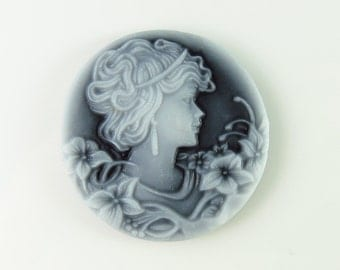 32mm Round Acrylic Vintage Style Victorian Woman Cameo - 2 Pcs -
