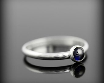 Blue sapphire ring - recycled sterling silver ring with bezel set 4mm gemstone, september birthstone