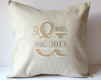 Burlap and Linen Mr & Mrs Ampersand Custom Monogram Pillow Cover. Wedding Gift. 2nd Anniversary. Keepsake Decorative Throw Pillow. Farmhouse