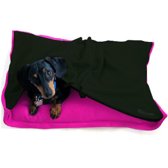 Eco Pet Bed - Recycled Pink Forest Green Fleece