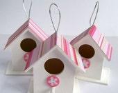 Miniature wood beach hut birdhouse decorations/ornaments pink white stripe summer table/party favor set of 3
