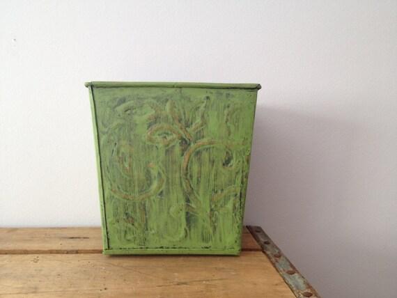 Green Metal Tin Planter - Shabby Decor - Catch All - Distressed Decor
