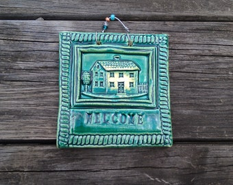 House Welcome Tile in Dark Green