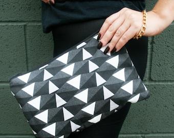 Monochrome Geometric black and white Print Clutch Purse Bag