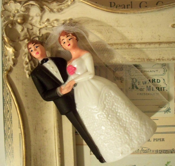 Vintage / Wedding Cake Topper / Bride and Groom