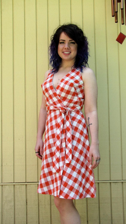 Vintage 60s day dress// vintage summer dress// wrap dress//