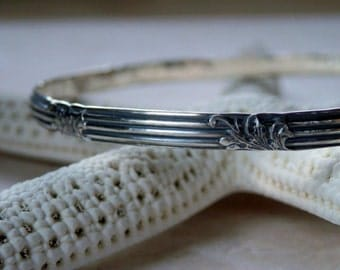 Floral Pattern Silver Bangle Oxidized Art Deco Floral and Lined Vintage Patterned Sterling Silver Bracelet