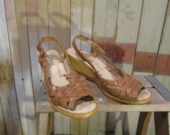 70s Summer braided Sandals Vintage Leather Sandal Sbicca Wedge shoes Brown Leather Peep toe sandals 6.5