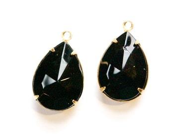 Vintage Faceted Black Glass Teardrop Stones 1 Loop Brass Setting 18x13mm par004RR